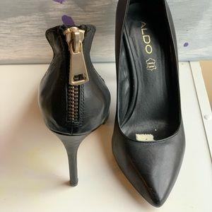 Black Leather Aldo Heels Size 7.